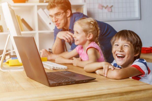 子供のプログラミング教育何歳から始めるのが効果的?